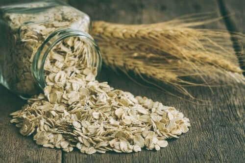 오트밀을 즐겨 먹으면 누릴 수 있는 건강상 이점