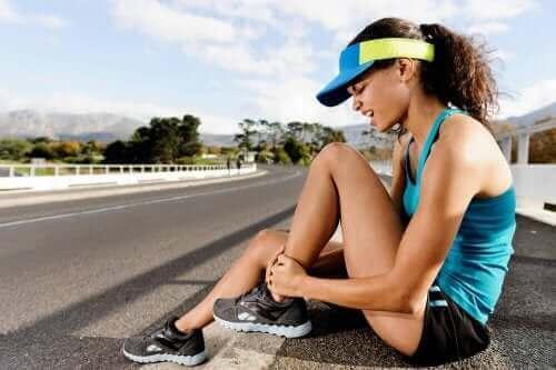 근육긴장의 증상 및 치료