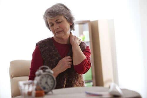 폐경기 중에 발생하는 난소 통증의 증상