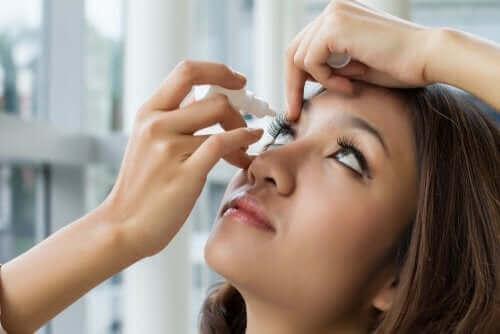 염산옥시메타졸린 점안액의 사용법