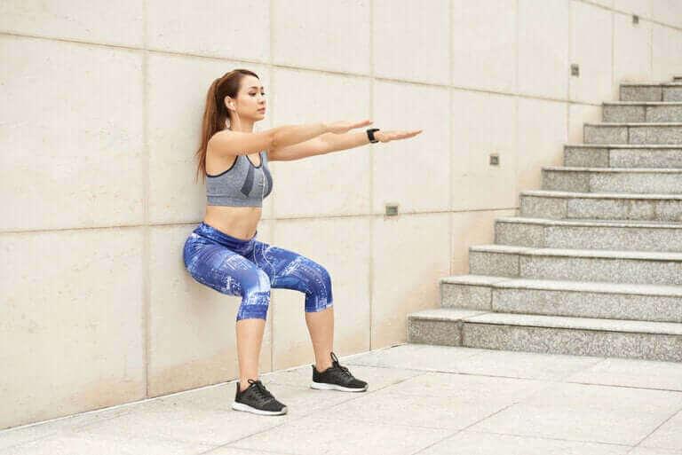 코로나를 피해 집에서 할 수 있는 몸매 관리 운동법