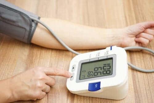 암로디핀의 복용 주의사항 및 부작용