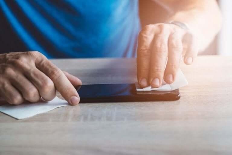 코로나바이러스: 핸드폰을 청결히 유지하는 방법 02