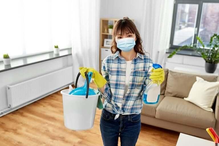 코로나바이러스: 집을 깨끗이 소독하는 방법