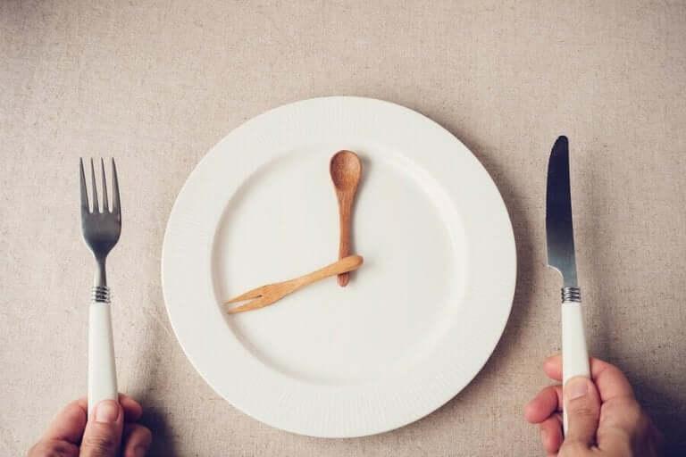 격리 중 식사량을 효과적으로 조절하는 법 01