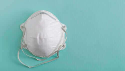 코로나 예방을 위해 모두가 마스크를 써야 할까?
