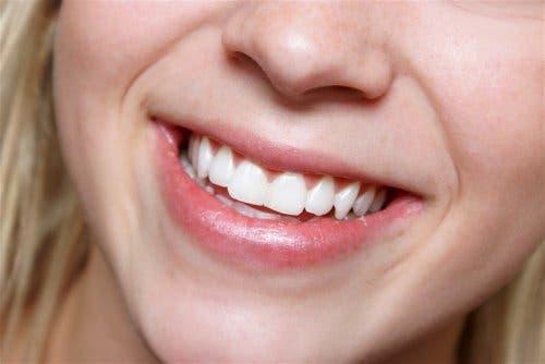치아에 미치는 부정적인 영향