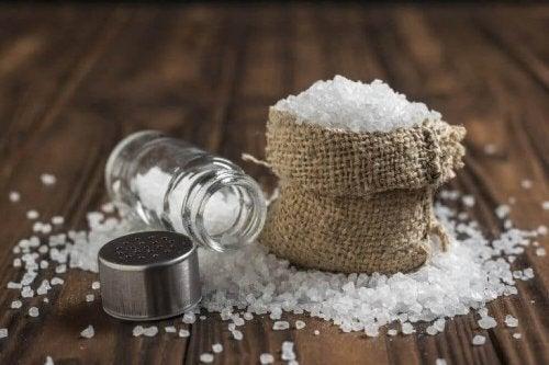 소금 과다 섭취에 관한 6가지 진실