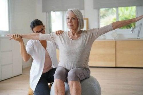 폐경기에 체중이 증가하는 이유와 대처 방법