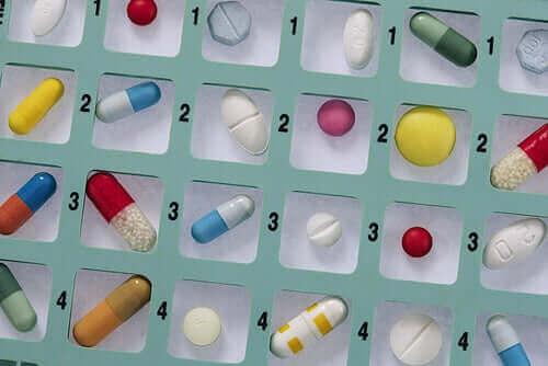 항생제로 자가 치료를 하면 안 되는 이유