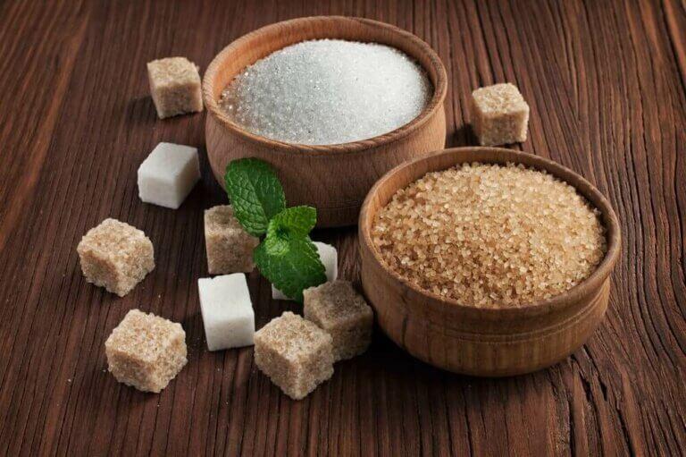 음식에 함유된 설탕의 양과 대체 방법