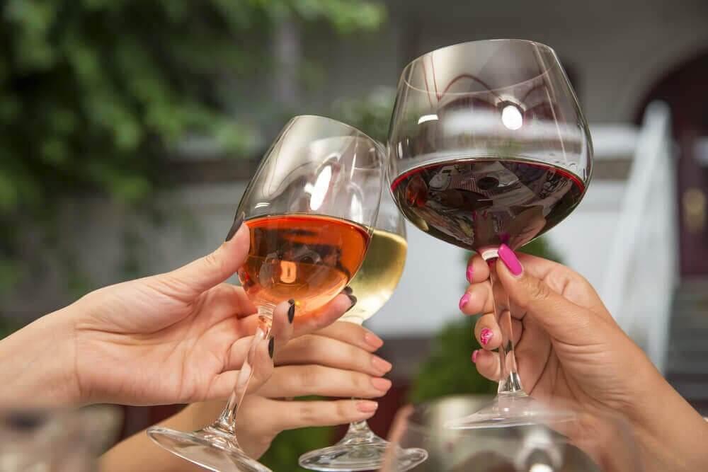 저렴한 와인과 비싼 와인 중 어느 쪽이 건강에 좋을까