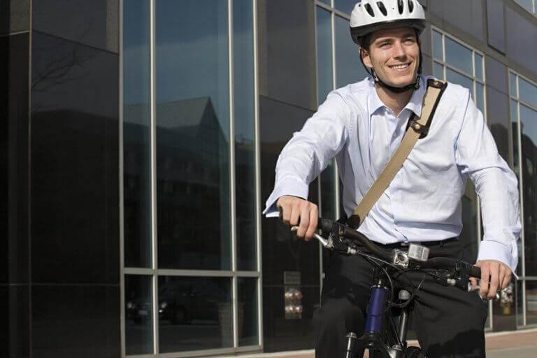 자전거를 타고 출근하는 것의 이점