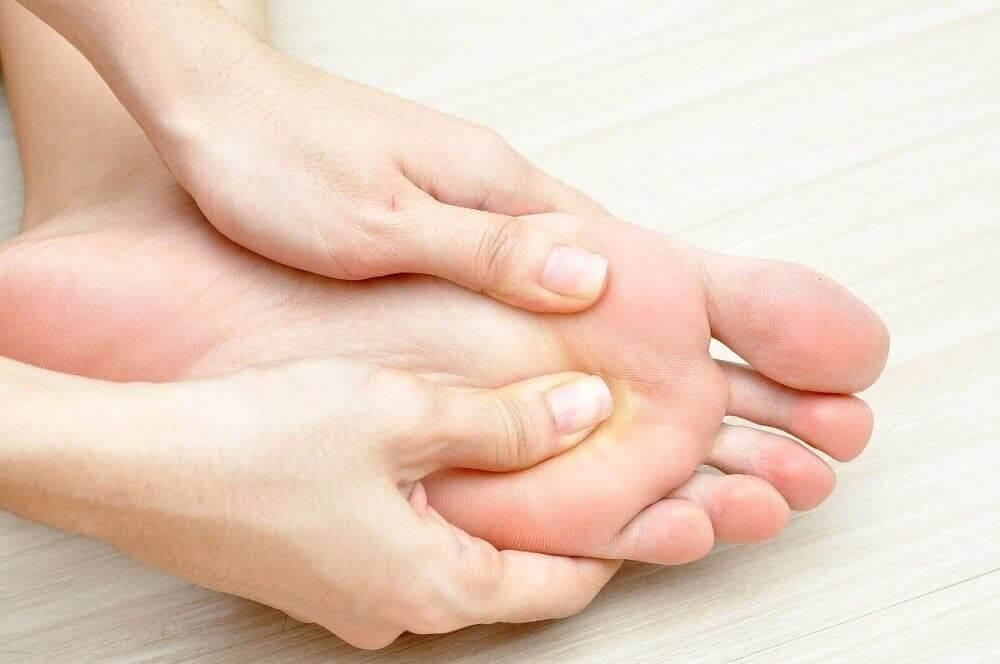 왜 발이 부을까?