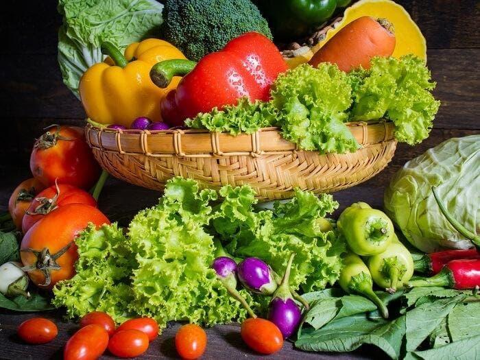 2. 채소를 더 많이 먹자