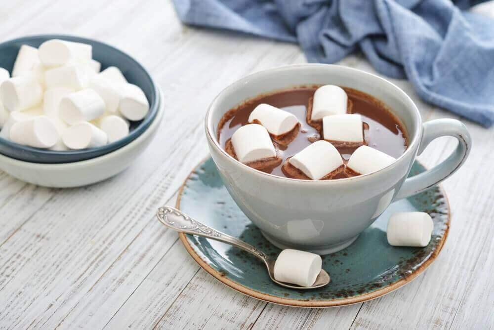 5. 마시멜로를 곁들인 핫초코