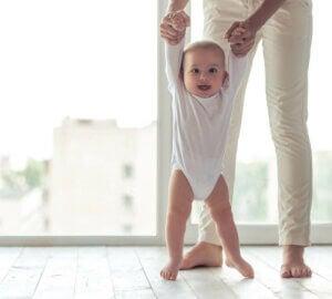 아기를 웃게 만드는 방법