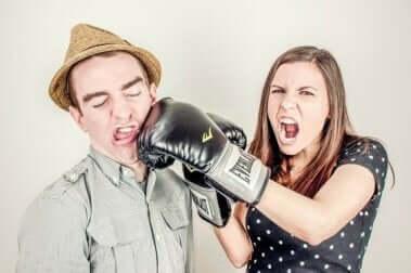 연인 관계를 망칠 수 있는 7가지 태도