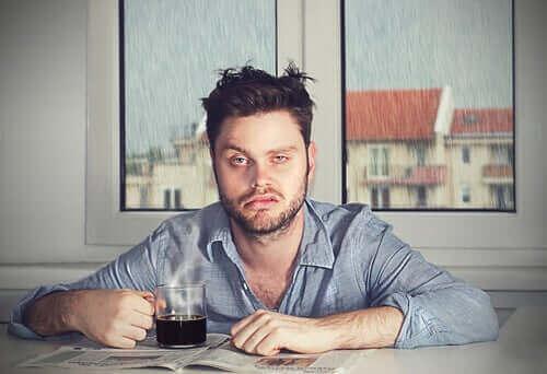 수면 무력증: 안 좋은 기분으로 잠에서 깨는 이유