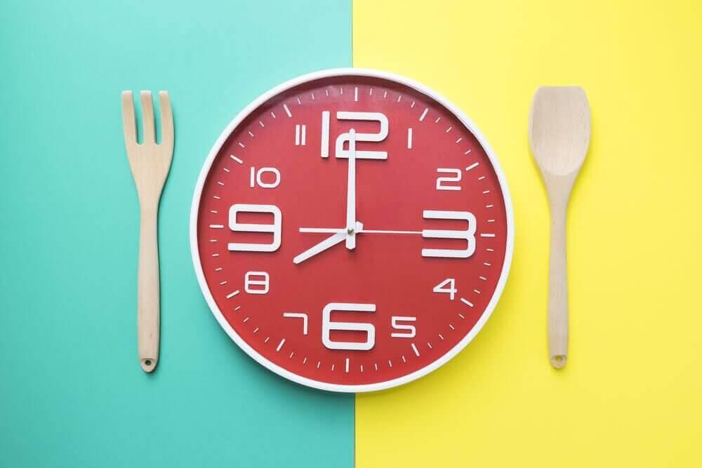 식사 시간은 언제가 적당할까