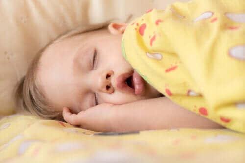 아기 수면 무호흡증의 증상 및 치료
