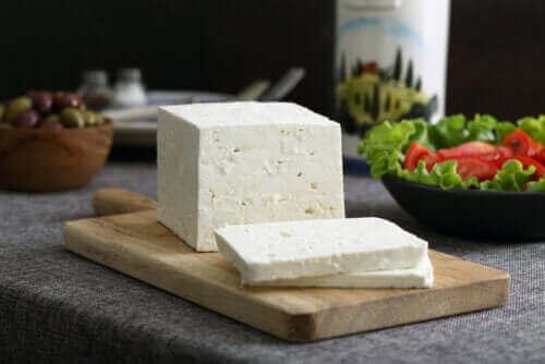 페타 치즈에 관하여