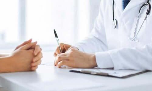 크론병을 관리하기 위한 10가지 비결