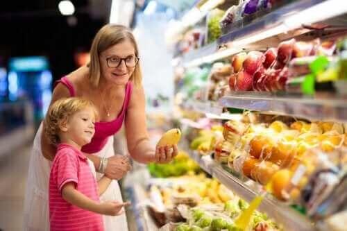어린이의 여름철 영양 섭취를 위한 비결 7가지