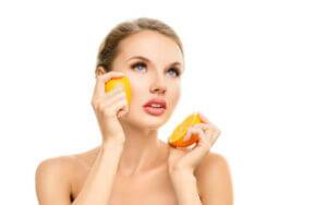 비타민 C 피부 제품에 대해 알아야 할 점