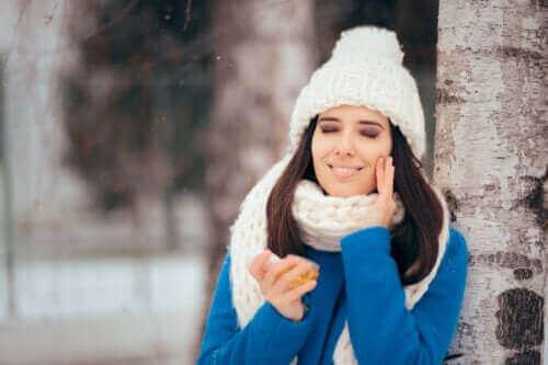 지성 피부를 위한 겨울철 관리 방법