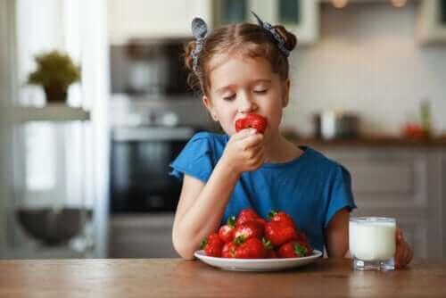 여름철에 섭취하면 건강에 좋은 3가지 과일
