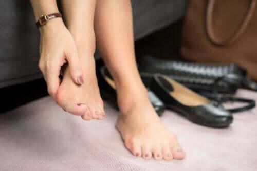 손발톱 주위염의 특성 및 치료