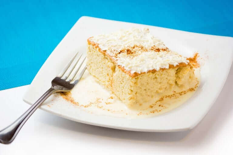 맛있는 뜨레스 레체스 케이크 레시피