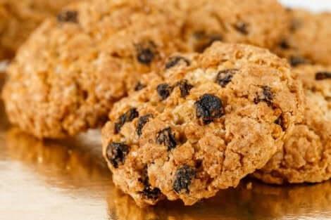 건강한 귀리 건포도 쿠키 준비하는 방법