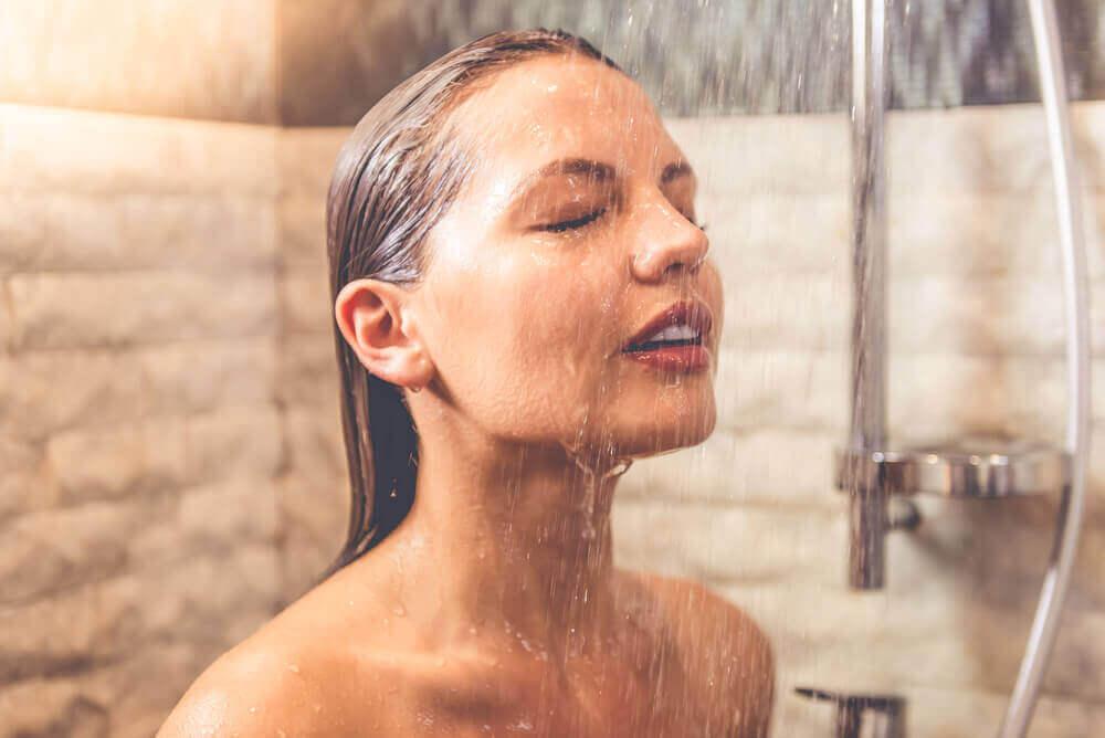 외모를 망치는 뜨거운 물