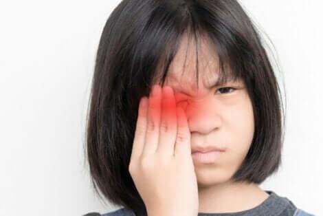 눈 색깔의 변화는 염려의 대상이 될 수 있다