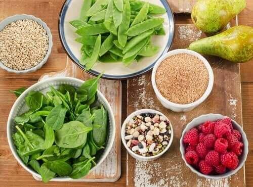 5. 만성 변비를 치료하기 위해 식단에 더 많은 섬유질을 포함하자