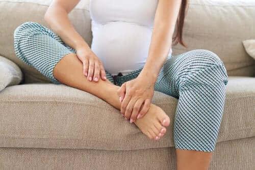 임신 중 뼈 통증을 줄이는 방법