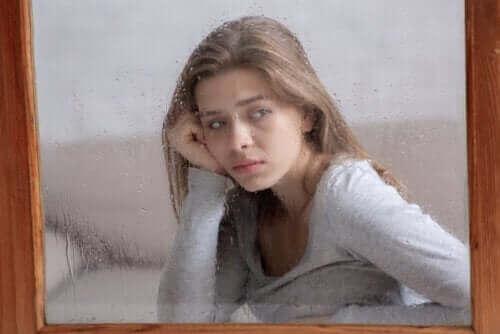 혼자 있는 것에 대한 두려움, 고독공포증은 무엇일까