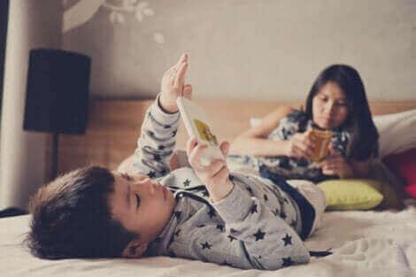 아동의 과도한 전자 기기 화면 노출