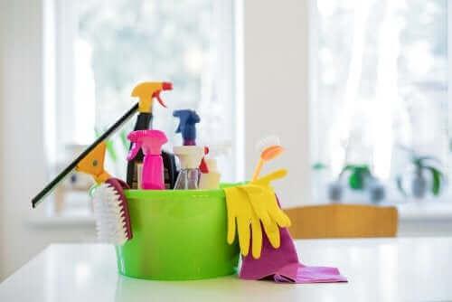 청소용 화학 물질은 유해할까?
