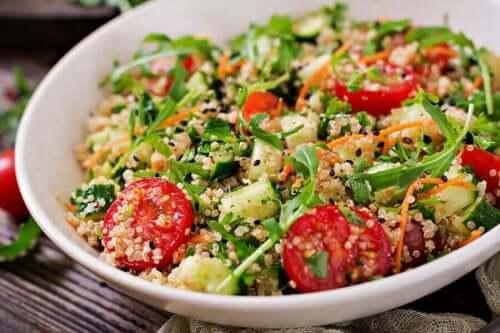 건강에 좋고 맛있는 퀴노아 샐러드 레시피 3가지