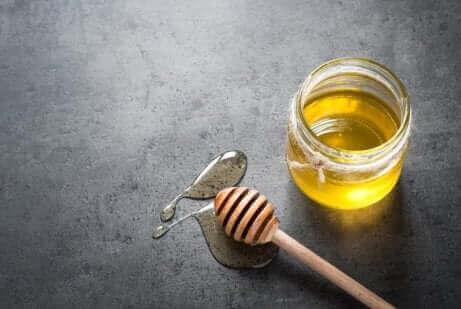 꿀을 이용한