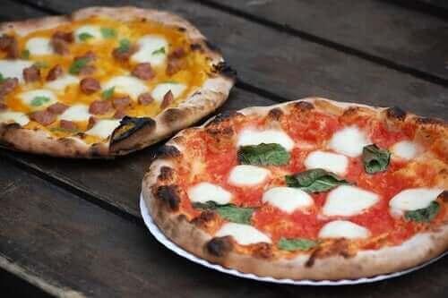 나폴리 스타일 피자