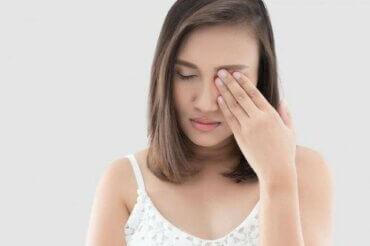 다래끼를 빠르게 치유하는 허브 4가지