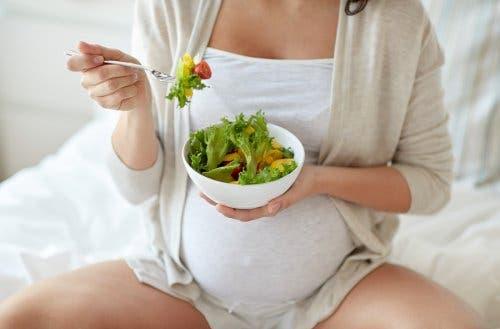 임신 중 복통을 완화하는 방법