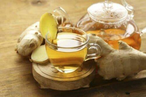 Ginger tea to reduce fever