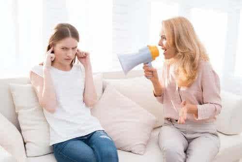 아이에게 소리를 지르면 어떤 영향이 있을까