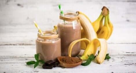 포만감을 선사하는 바나나 귀리 스무디 만드는 방법
