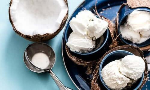 유제품 없이 아이스크림을 만드는 법